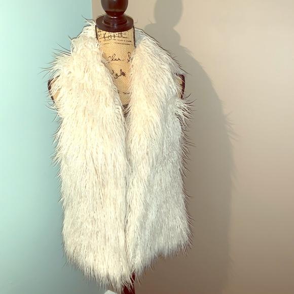 Jackets & Blazers - Faux fur trendy winter vest
